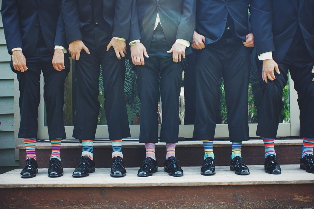 Barevné ponožky k společenskému obleku