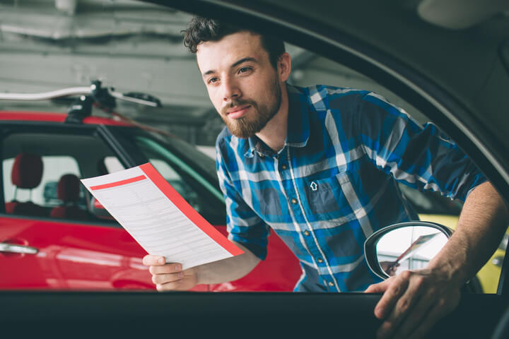 Sepsání kupní smlouvy při prodeji vozu