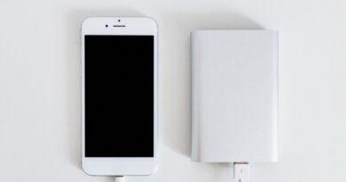 Nabíjení telefonu pomocí powerbanky